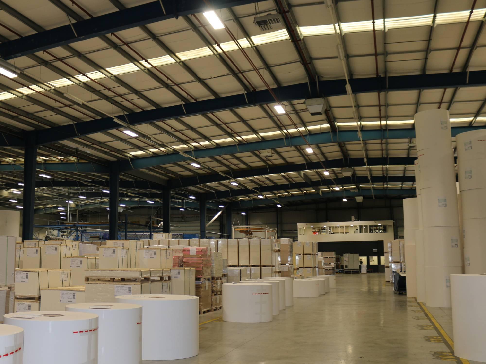 Nachhaltige LED-Beleuchtung Papierindustrie